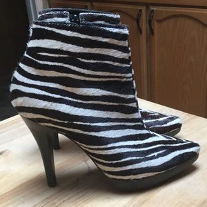 Gorgeous Steve Madden zebra pony hair booties!